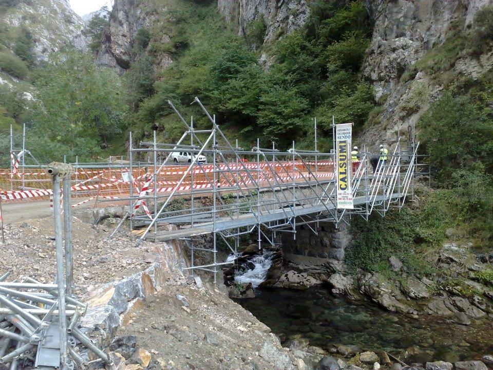 Puente Valdeón-Cain - Andamios Modulares, Tubulares Y Multidireccionales - Empresas De Andamios